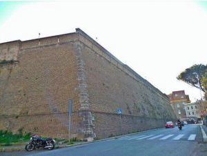 vatican-wall1